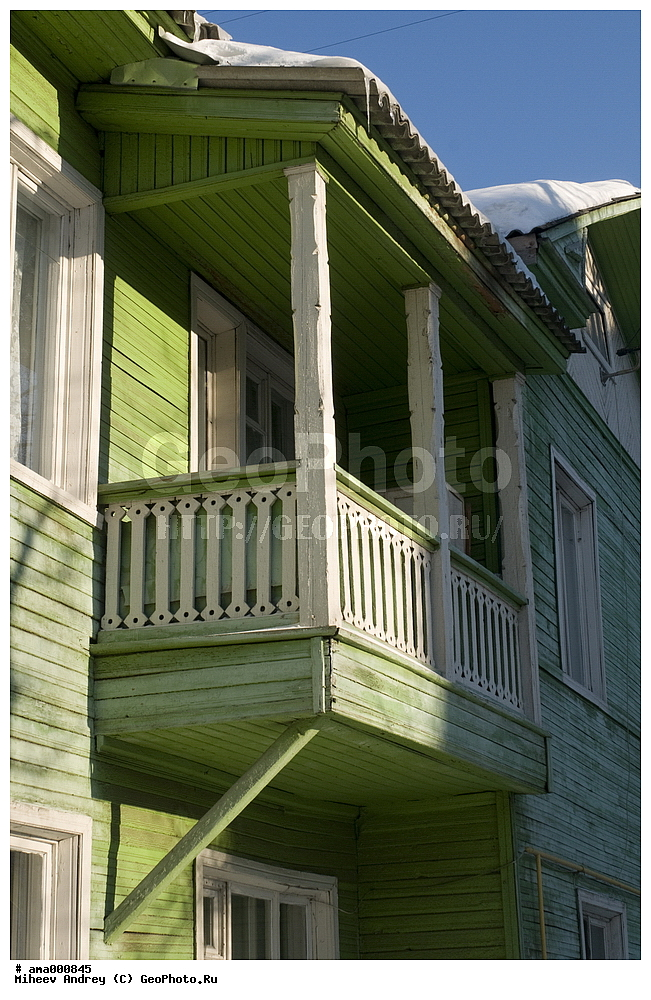 Фотография вологда, балкон старого деревянного дома, зима фо.