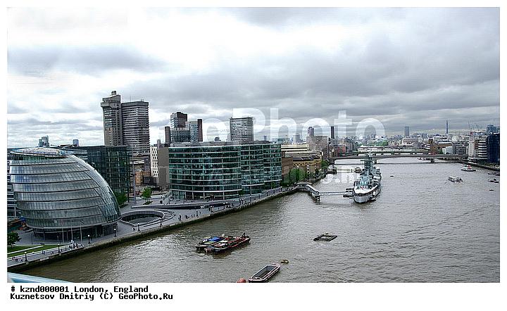 Англия лондон темза и здание мэрии