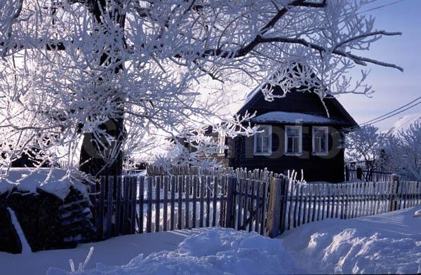 Фото и картинки домик в деревне зимой