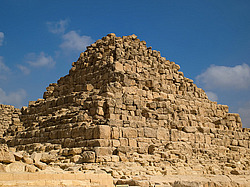 Queen Pyramid of Henutsen - Гиза, Египет, Африка